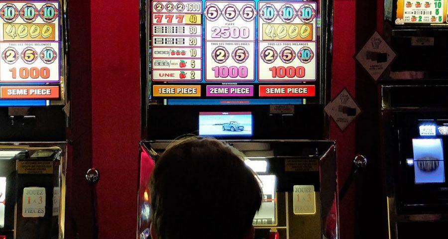 Esitetty kuva 7 musiikkiteemaisten hedelmäpelien etua kasinoissa 900x480 - 7 musiikkiteemaisten hedelmäpelien etua kasinoissa